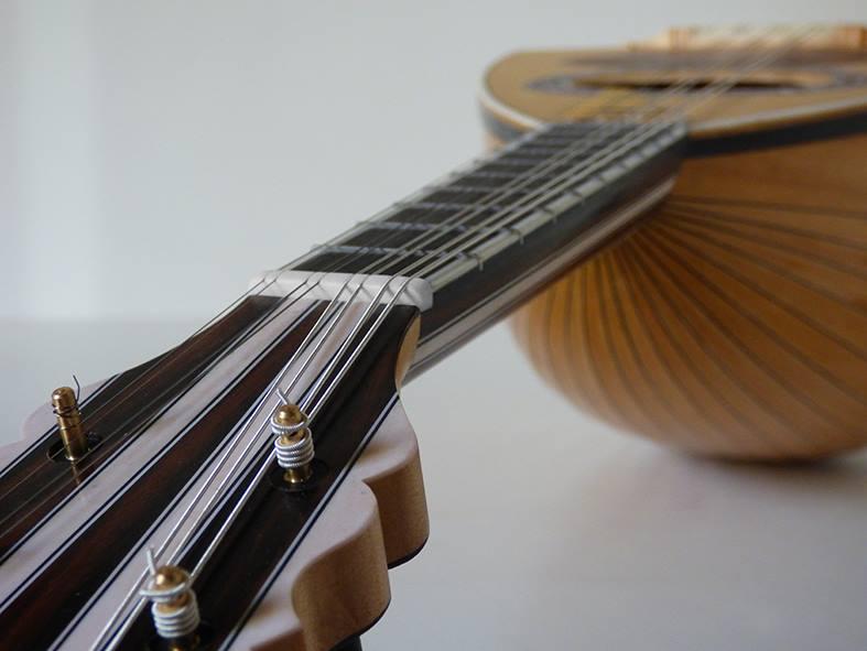 mandolino-napoletano-a-quattro-ordini